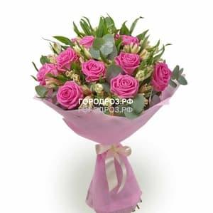 Сборный букет с розами и альстромерией