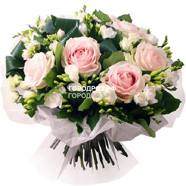 Сборный букет с розами и фрезией